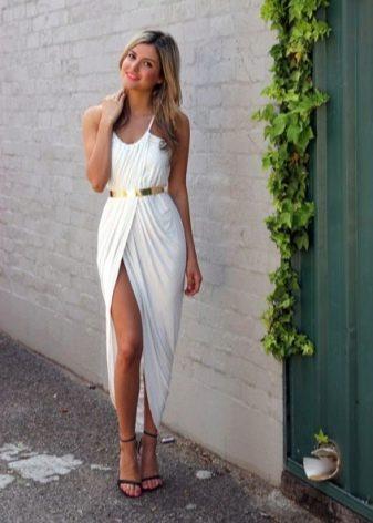 Белое длинное платье тюльпан