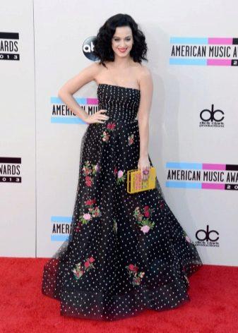 Длинное черное платье с цветочным принтом в белый мелкий горошек