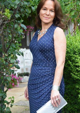 Синее платье в мелкий горошек для женщин
