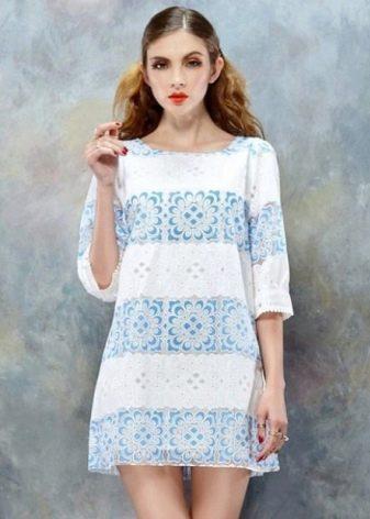 Вязаное платье в морском стиле