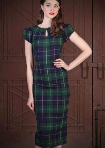Платье в зеленую шотландскую клетку (тартан)