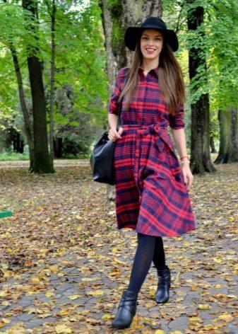 Платье в красно-синюю шотландскую клетку (тартан)