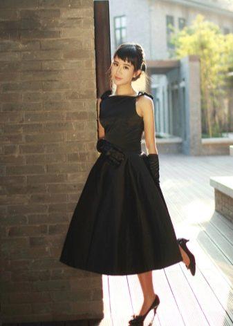 Платье на завязках в стиле Одри Хепберн
