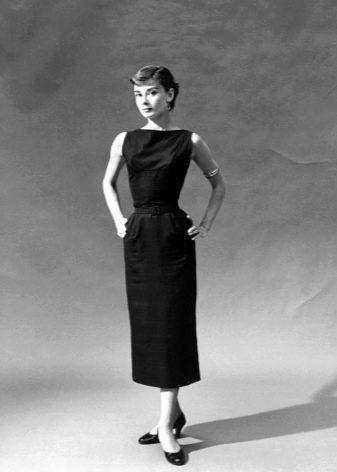 Платье футляр Одри Хепберн