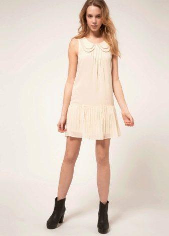 """Платье с юбкой плиссе для фигуры типа """"Перевернутый треугольник"""""""