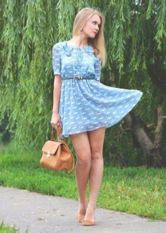 Платье с завышенной талией в сочетание с балетками