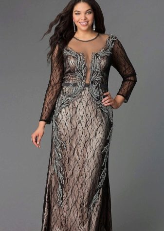 Нарядное длинное платье с прозрачными длинными рукавами для полных