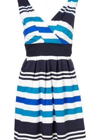 Платье в голубую, черную и белую полоски