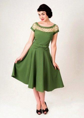 Зеленое платье в стиле 50-х
