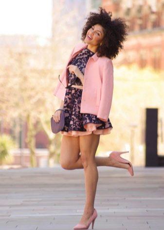 Расклешенное платье с пиджаком