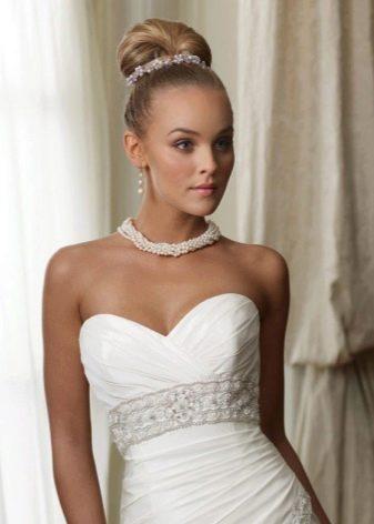 Украшения из жемчуга к свадебному платью футляр