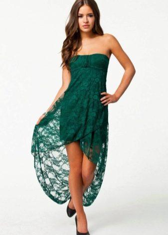 Зеленое платье-бандо средней длины с асимметричной юбкой