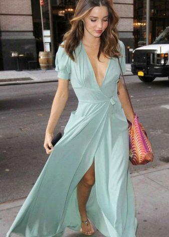 Длинное однотонное платье-халат