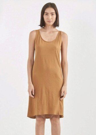 Бежевое платье-майка средней длины