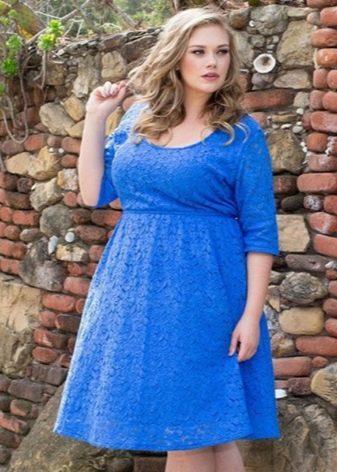 Синее кружевное платье на корпоратив для полных