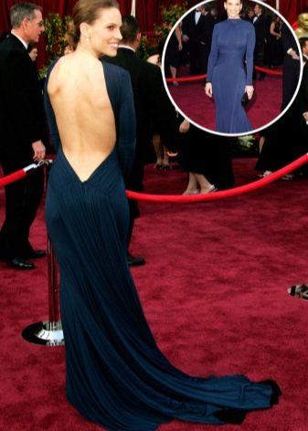 Закрытое платье с открытой спиной с красной дорожки