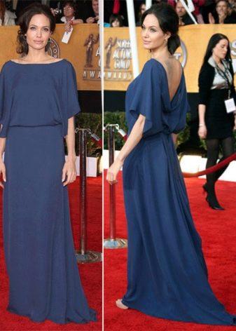 Закрытое платье с открытой спиной  Анджелины Джоли