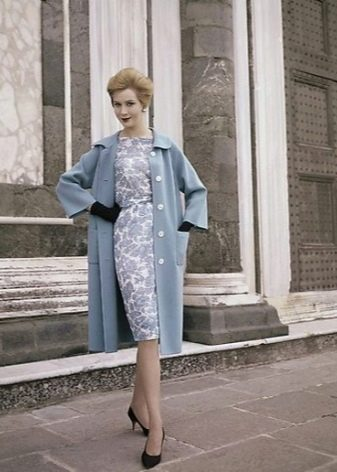 Пальто к платью в стиле 60-х