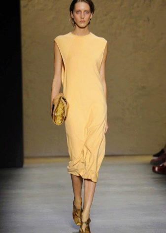 Модное платье прямого кроя 2016 года длины миди