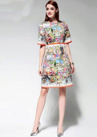 Модное платье сезона весна-лето 2016 года с принтами и надписями