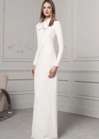 Модное платье-футляр сезона осень-зима 2016 года