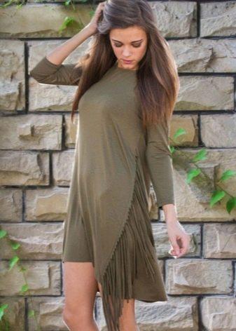 Модное платье сезона осень-зима 2016 года с бахромой