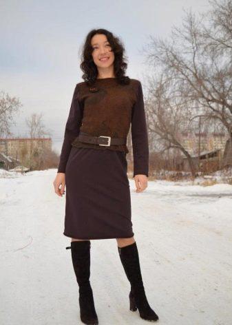 коричневое платье из футера