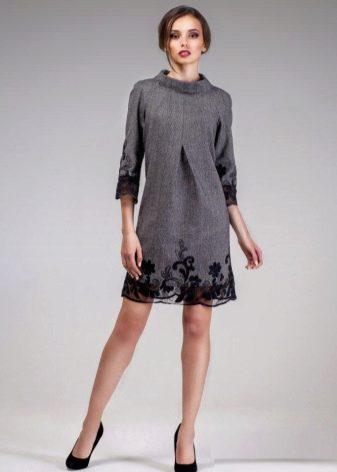 платье из твида с кружевами