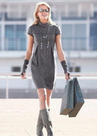 стильное платье из твида