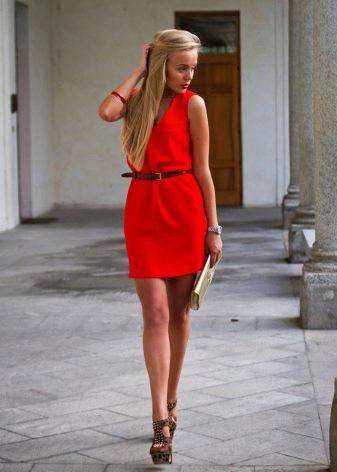 Красное платье для подростка