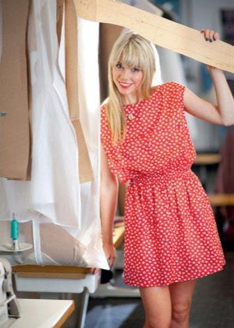 красное бязевое платье