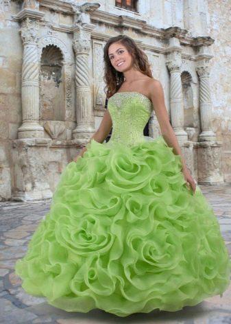 салатовое платье из органцы