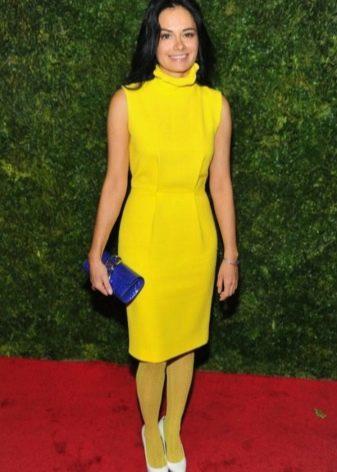 Желтые колготы к желтому платью