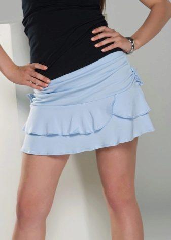 голубая мини-юбка с воланами