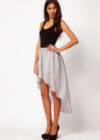 Асимметричная юбка со шлейфом