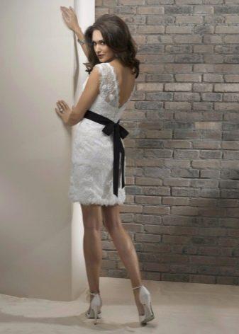 белая юбка-карандаш  из кружев