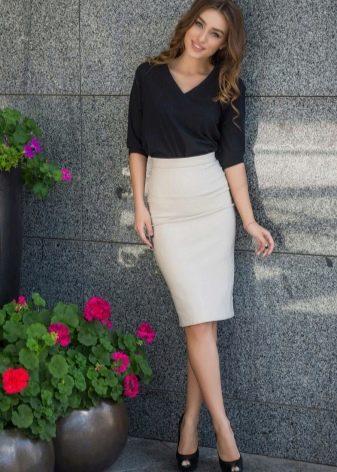 белая юбка-карандаш  для офиса