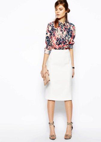 Классическая белая юбка карандаш