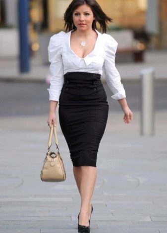 Черная юбка карандаш в сочетание с белой блузкой
