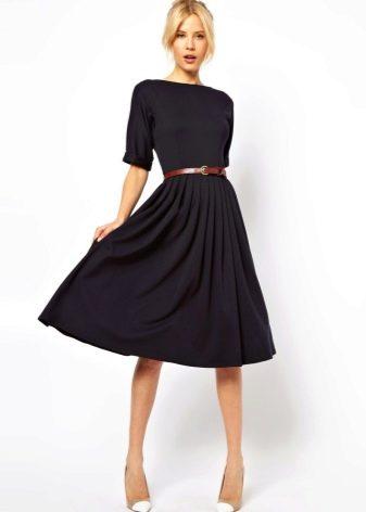 Черная юбка солнце средней длины