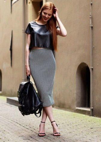 Длинная юбка карандаш в сочетание с кроп-топом