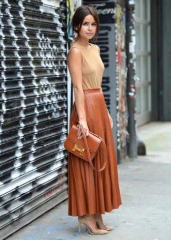Длинная кожаная юбка полусолнце