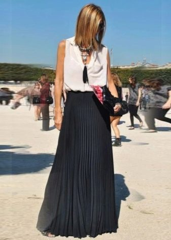 Длинная черная юбка полусолнце для девушек с фигурой перевернуты треугольник