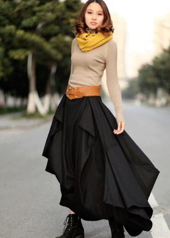 длинная пышная юбка с вертикальными воланами