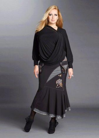 юбка-годе и блуза с драпировкой