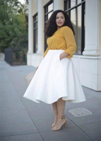 белая расклешенная юбка для полных женщин