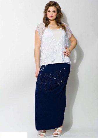 длинная юбка, украшенная стразами для полных женщин
