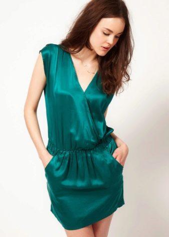 Платье с запахом короткое
