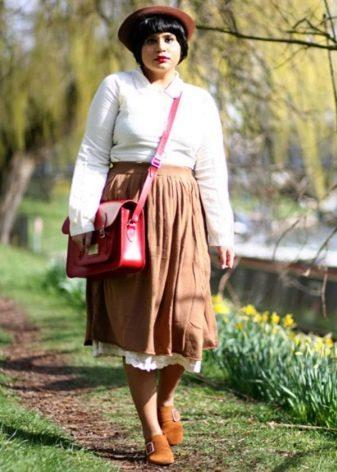 Юбка коричневого цвета для девушки с фигурой типа Яблоко