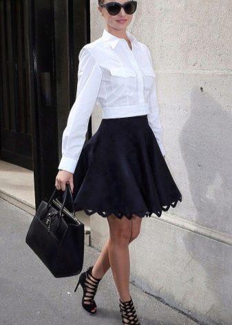 Коническая юбка для делового образа